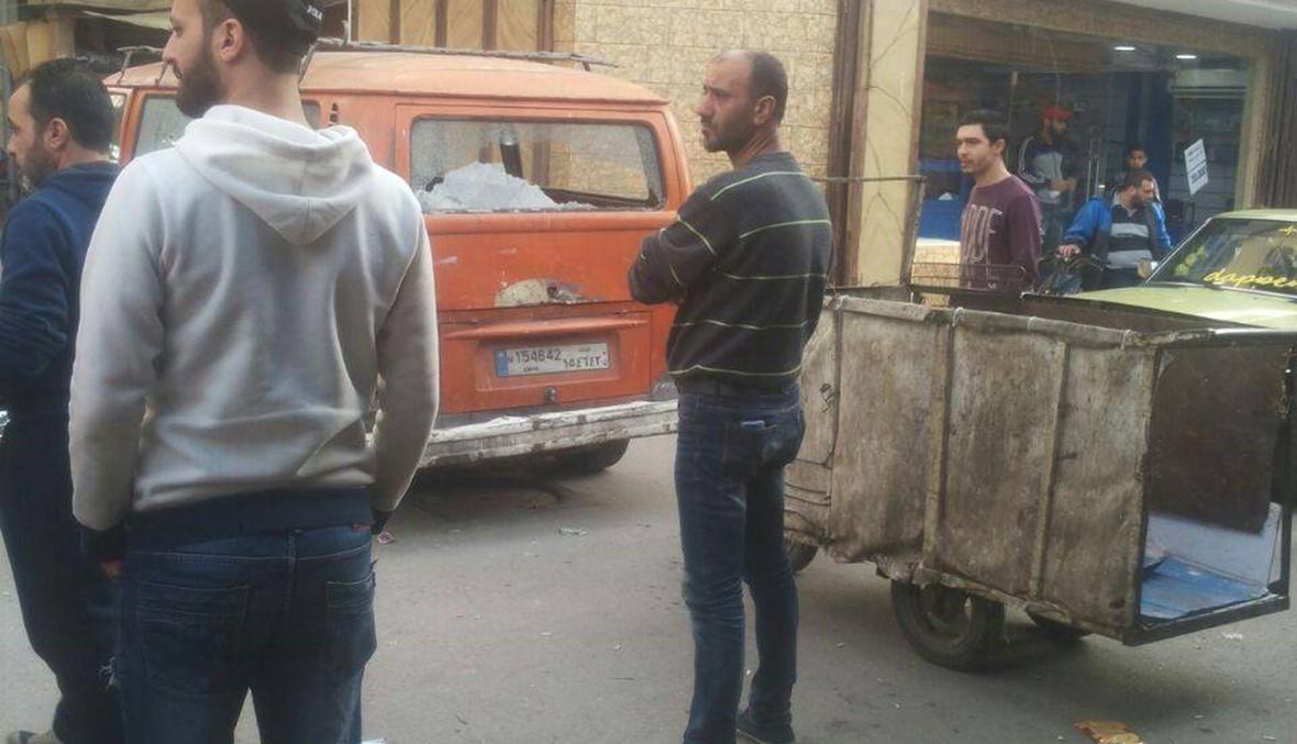 إقفال طريق في عين الحلوة احتجاجاً على تجدد إطلاق النار الذي حصل فجر اليوم