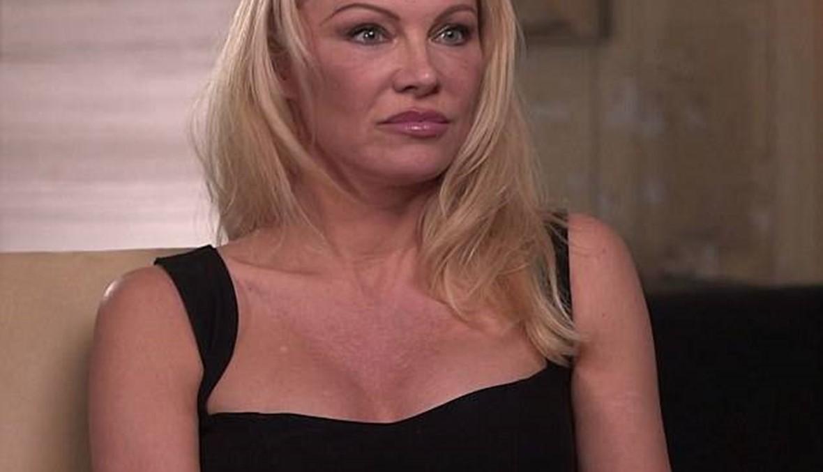 باميلا أندرسون رفضت عروضاً جنسية من منتجين في هوليوود... هل شككت بشهادات ضحايا واينستين؟