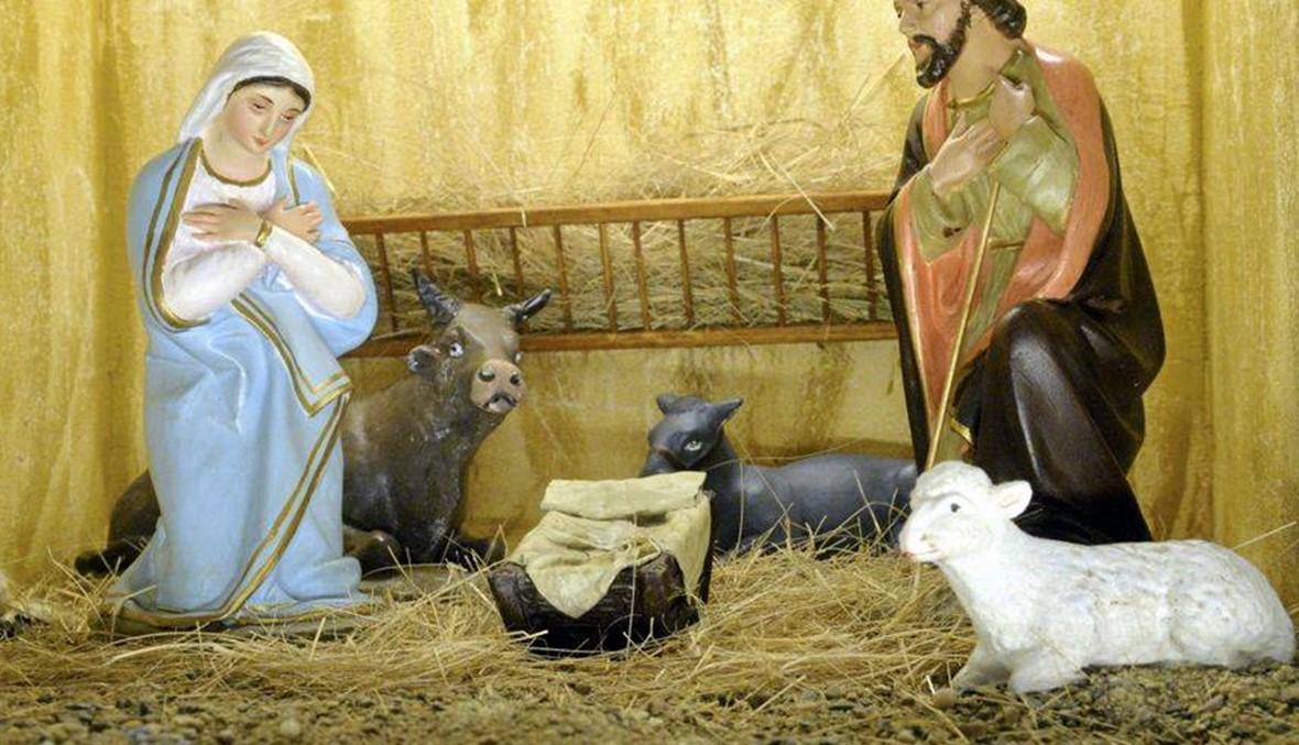 مجرم سرق تمثال الطفل يسوع واستبدله بباقة هندباء!