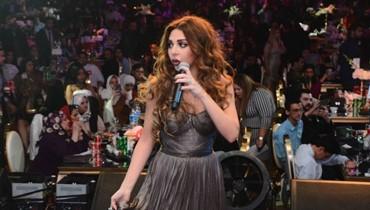 ميريام فارس تشتبك مع حارسها على المسرح... وتامر حسني يغنّي مع أحمد زاهر