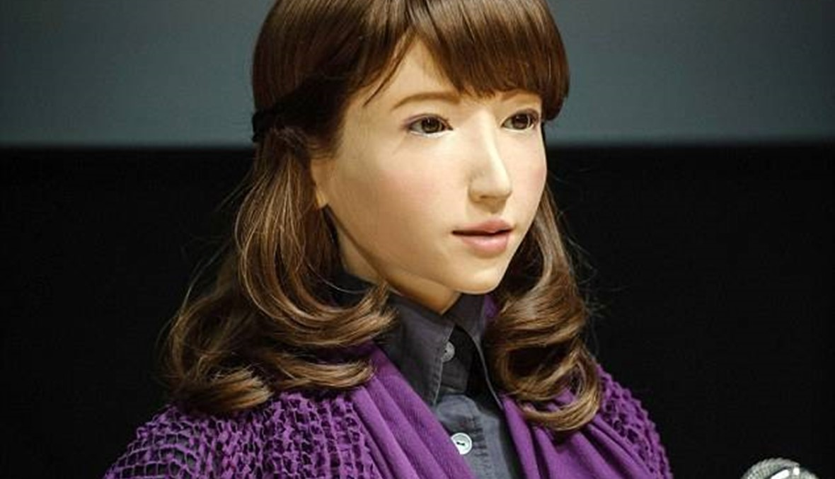تعرفوا الى ايريكا... الروبوت المذيعة