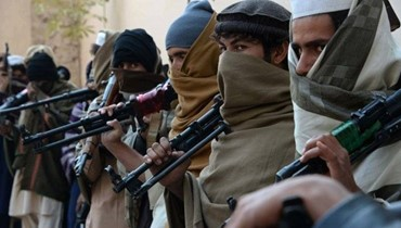 """عناصر من """"طالبان"""" يهاجمون مركزا انتخابيا في افغانستان"""