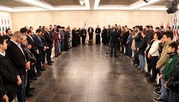 """جعجع عقد خلوة روحية في معراب مع جماعة """"سانتا تيريزا"""""""