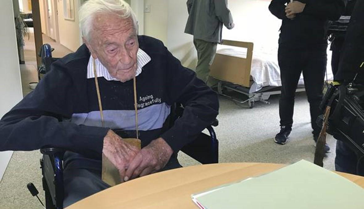 عالم أوسترالي (104 أعوام) ينتظر موعده مع الموت الرحيم