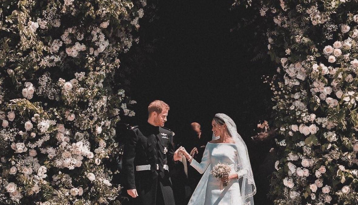 نظرات الأمير هاري الى ميغان... يا للحب والخجل الجميل (فيديو)
