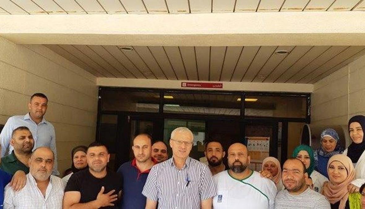 موظفو مستشفى صيدا الحكومي مستمرون في اعتصامهم