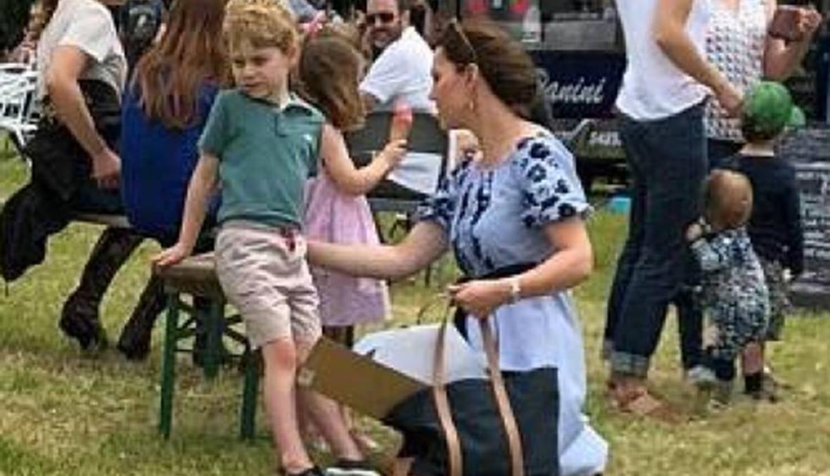 بعيداً من الروتين الملكي... كايت وأولادها في نزهة عائلية