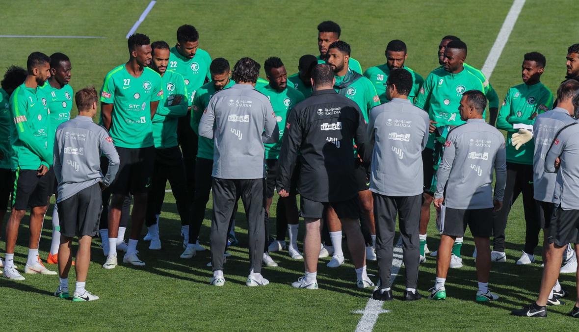 المنتخب السعودي يفتتح تدريباته في روسيا