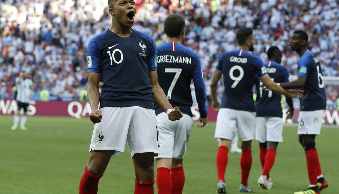 حلم ميسي ينتهي... مبابي يقود فرنسا إلى ربع النهائي