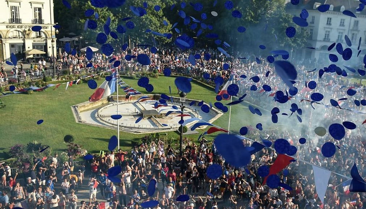 بين الاحتفال والشغب... 20 صورة لليلة التي لم تنم فيها فرنسا!