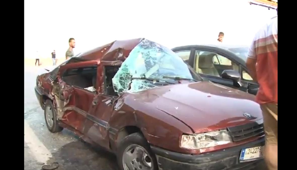 بالفيديو: شاحنة تجتاح مكان اعتصام السائقين في طرابلس