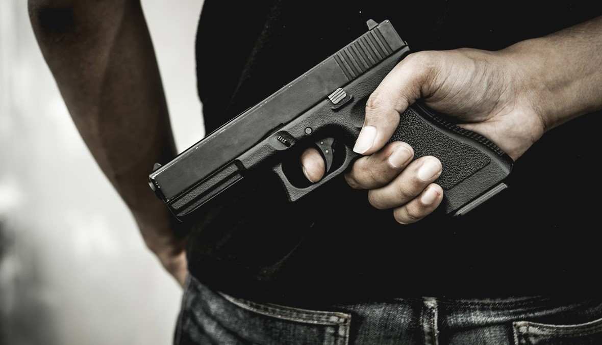 أطلق النار على 3 من زملائه في عدلون