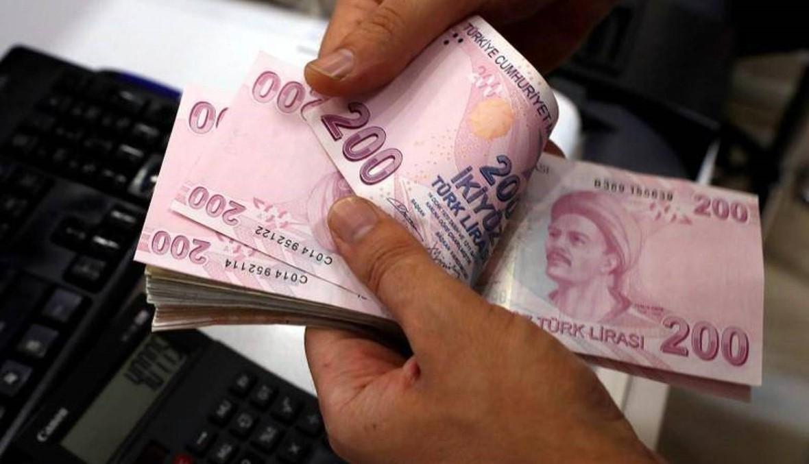 """الليرة تهبط مع قول تركيا إن الولايات المتحدة تشن """"حرباً اقتصادية"""""""