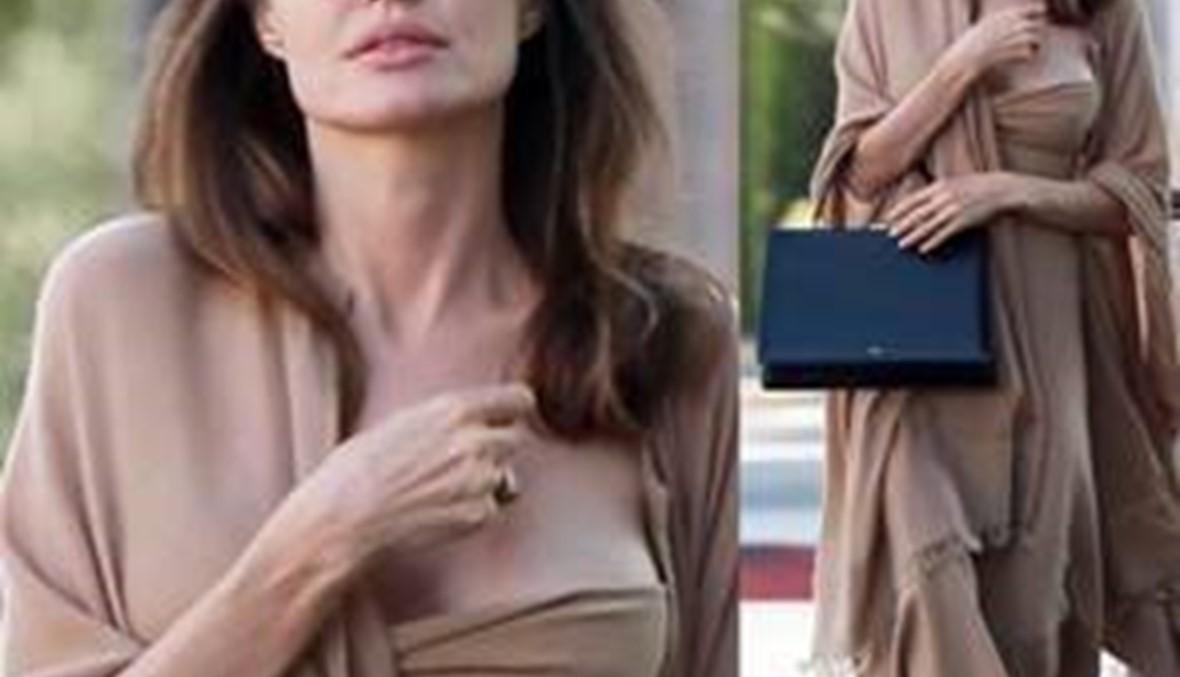 أنجلينا جولي تختار  إيلي صعب لإطلالاتها العملية