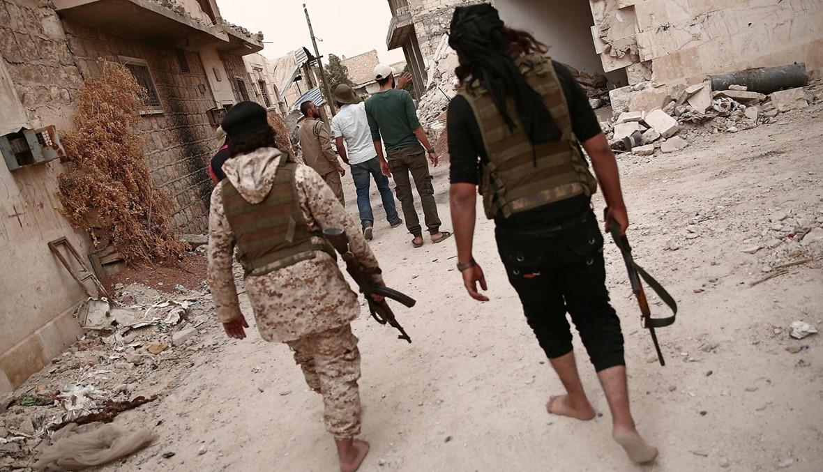 الفصائل الجهادية تسحب أسلحتها الثقيلة من أجزاء من المنطقة العازلة في محيط إدلب