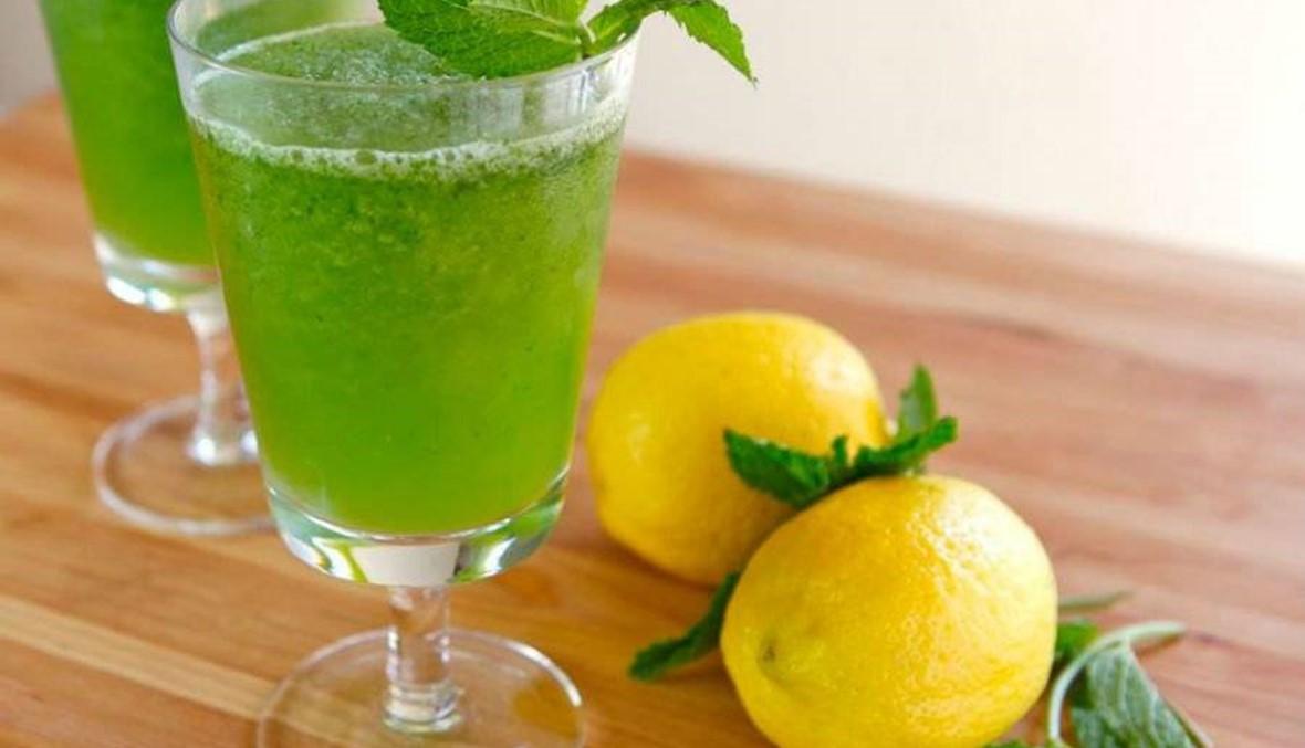 عصير النعناع  المثلّج مع الليمون الحامض... سرّ الانتعاش الكامل في 4 خطوات