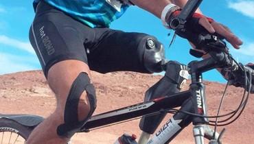 قوة التحدي: شاب مصري بقدم واحدة يقطع 500 كيلو على الدراجة