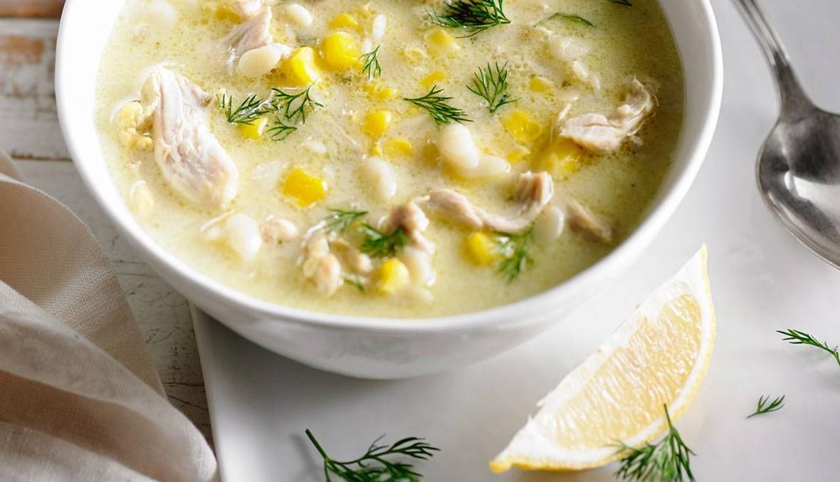 حضروا شوربة الدجاج بالذرة: طبق دافئ يقهر برودة الطقس