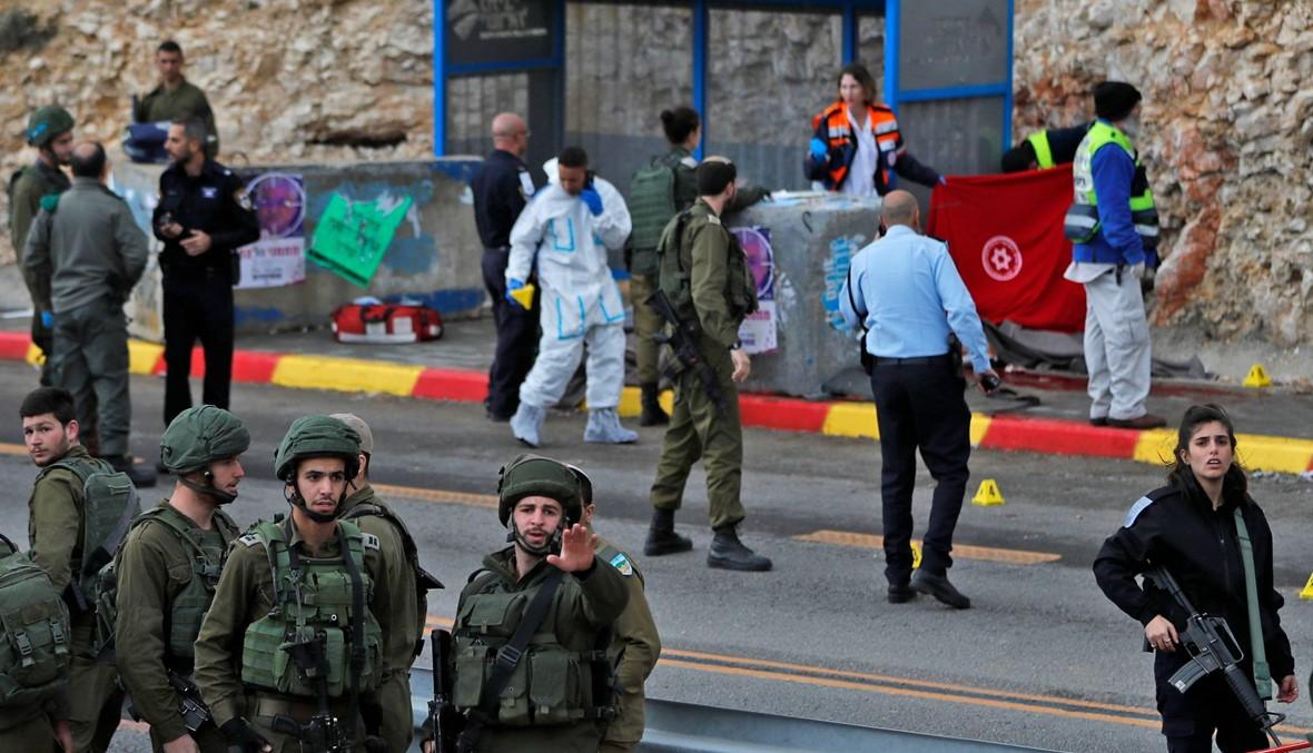 مقتل إسرائيليَيْن بهجوم بسلاح ناري في الضفة الغربية