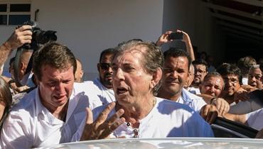 نساء يتّهمنه باعتداءات جنسيّة... المرشد البرازيلي دي فاريا يتفاوض على شروط تسليمه