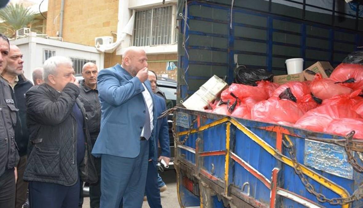 اتلاف طُنَّين من اللحوم الفاسدة محملة داخل شاحنة آتية من سوريا في مكب النفايات في طرابلس