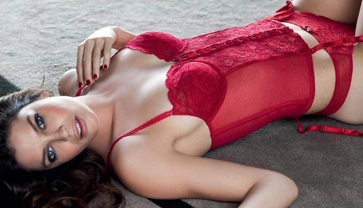 هل يجلب ارتداء اللانجري الأحمر ليلة رأس السنة الحظ؟