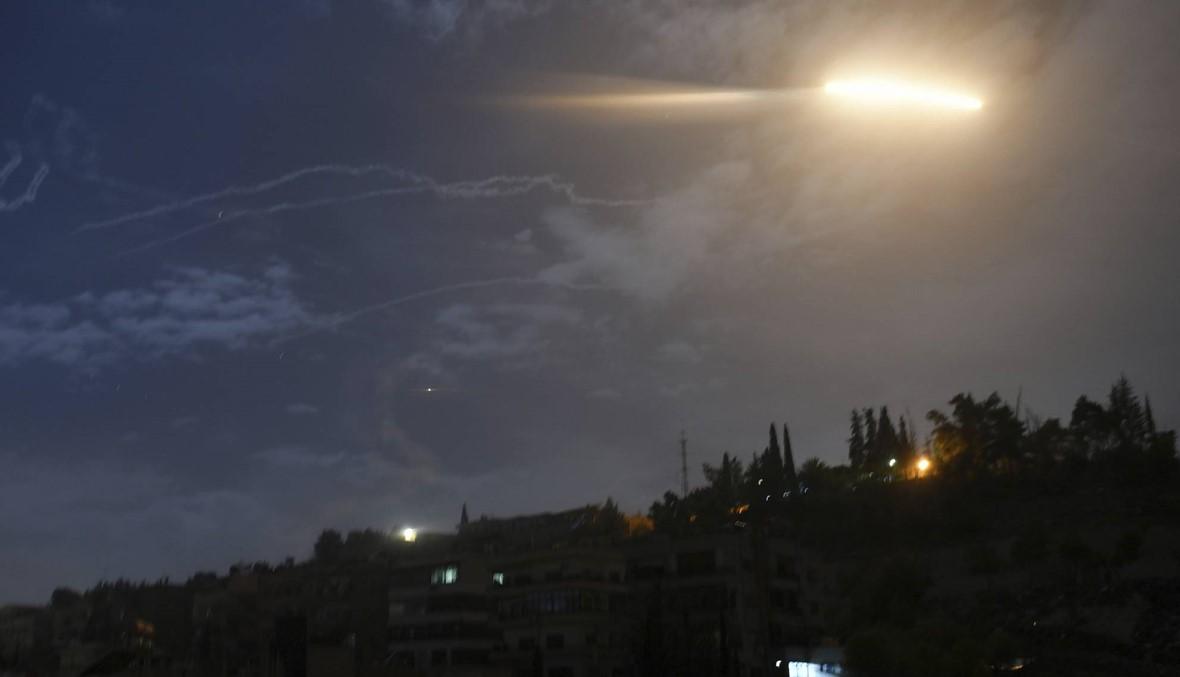 """21 قتيلاً بينهم """"إيرانيون"""" في القصف الإسرائيلي قرب دمشق"""