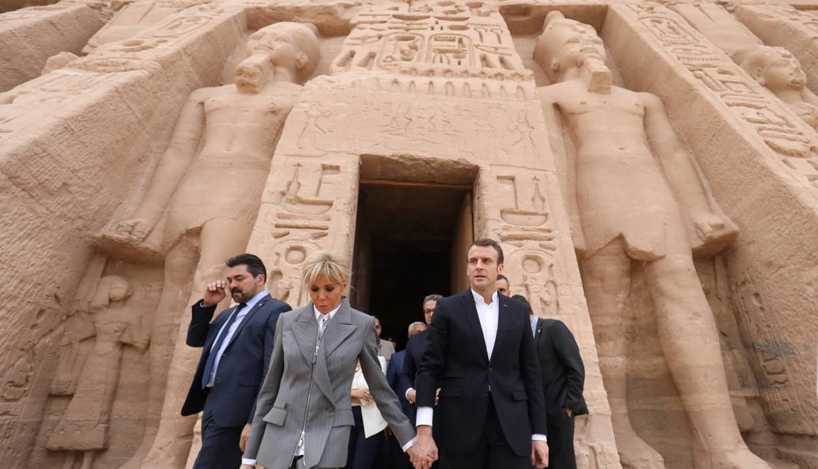 """ماكرون بدأ زيارة لمصر من معبد أبو سمبل: تعزيز """"الشراكة الاستراتيجيّة"""" وتوقيع 30 اتّفاقاً"""