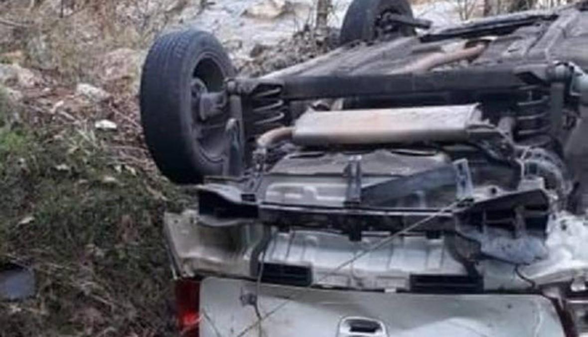الموت على الطرق... قتيلان وجريح في حادث مرّوع على طريق جسر القاضي