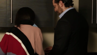 شاهد الرئيس الحريري يعد القهوة خلال حواره مع نايلة تويني