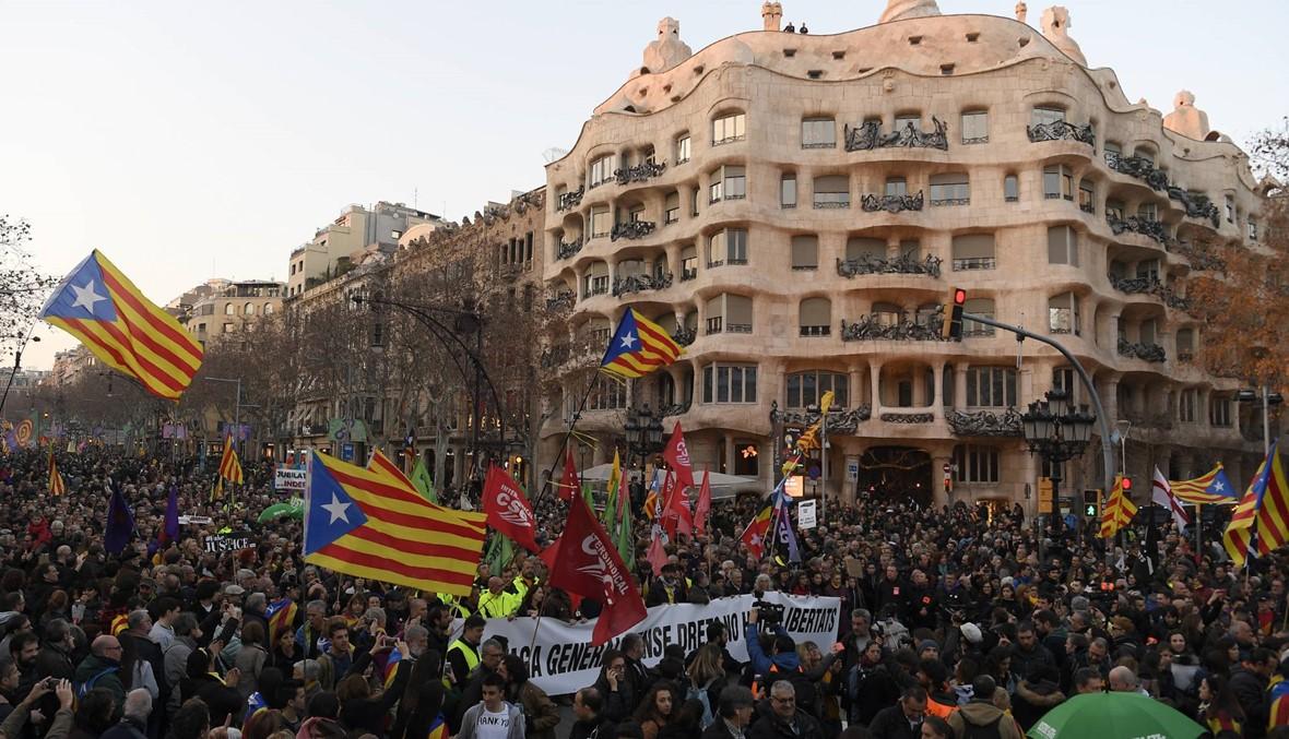 إسبانيا: اضراب وقطع طرقات في كاتالونيا احتجاجاً على محاكمة 12 قائداً انفصاليًّا