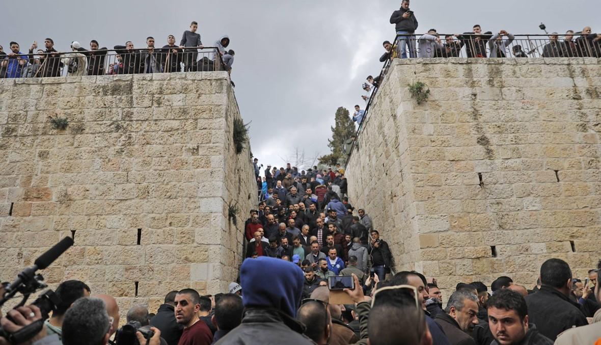 """الشرطة الإسرائيليّة تنتشر حول المسجد الأقصى: اعتقال عشرات بعد الدعوة إلى """"التّصدي للاحتلال"""""""