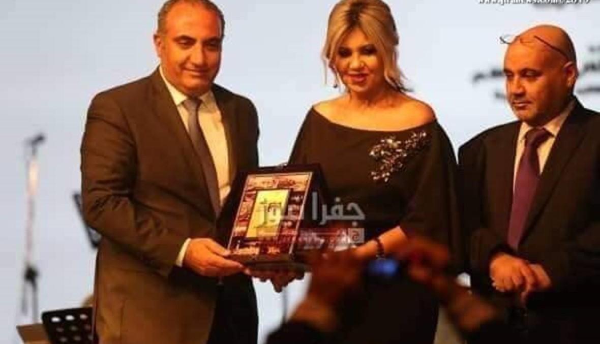 مطالبات بإقالة أمين مدينة عمان بسبب حليمة بولند... نائب كويتي يتدخّل