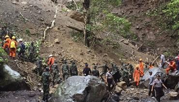 وكالة ادارة الكوارث: ارتفاع حصيلة ضحايا فيضانات اندونيسيا إلى 77 قتيلاً