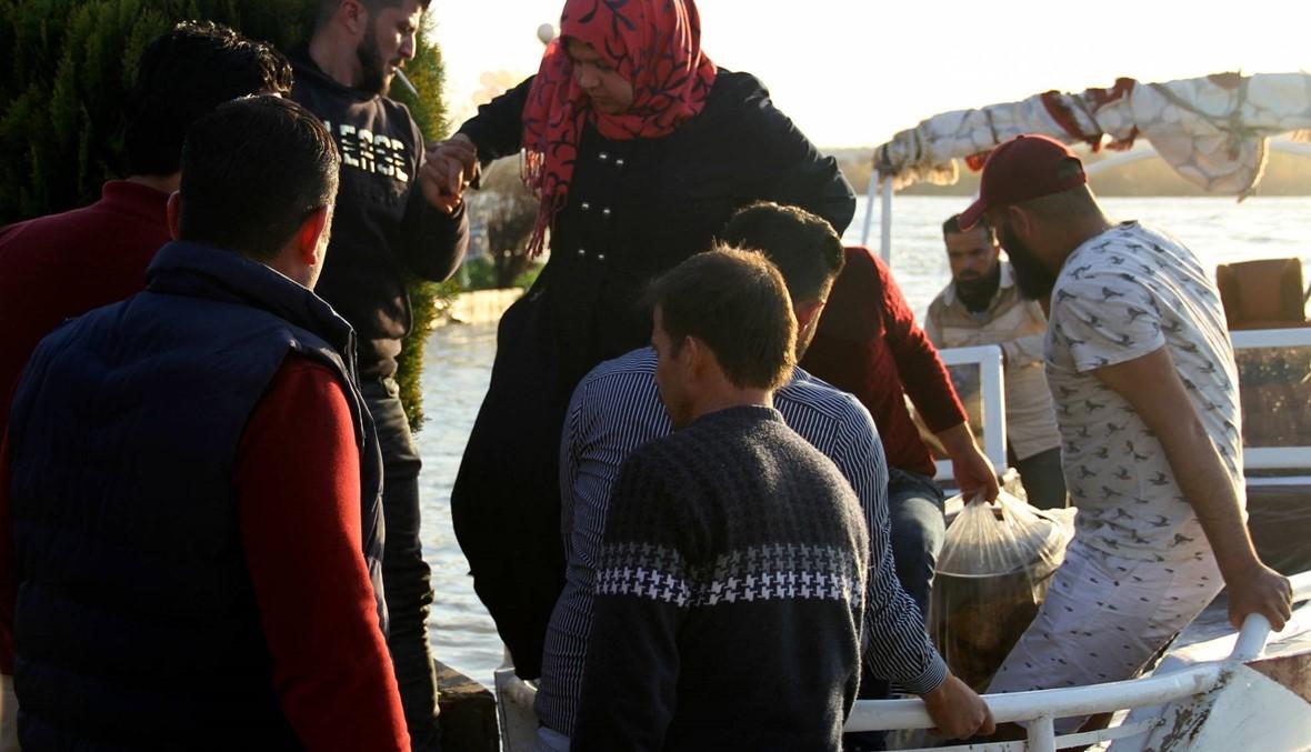 دموع ذوي ضحايا كارثة العبارة تروي ضفاف دجلة في الموصل