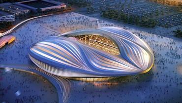 مد الأرضية العشبية لأحد ملاعب مونديال 2022 بسرعة قياسية