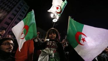 """بوتفليقة يطلب """"الصفح عن كل تقصير"""" في رسالة الى الشعب الجزائري"""