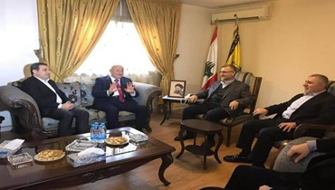 ما حقيقة اللقاء بين حزب الله والحزب التقدمي الاشتراكي؟