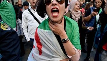 قادة التظاهرات في الجزائر شبان لم يروا غير حكم بوتفليقة