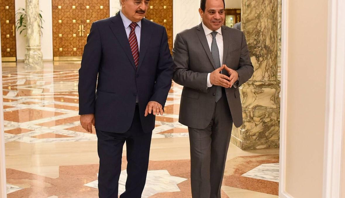 """المشير حفتر في القاهرة: السيسي أكّد له """"دعم جهود مكافحة الإرهاب"""""""