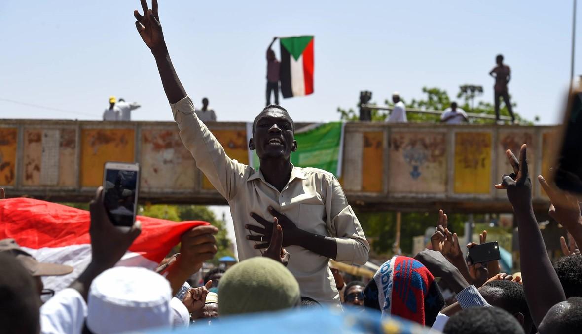 السودان: المتظاهرون أزالوا المتاريس في الخرطوم