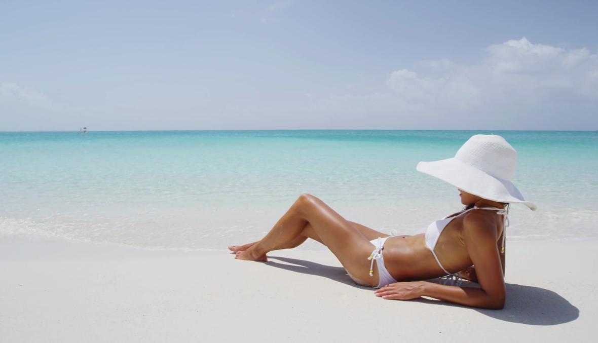 5 خطوات لتتجنبّي تقشّر الجلد بعد التعرض للشمس!