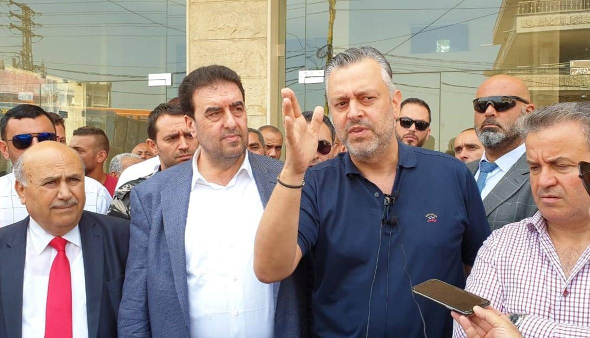 نواب عكار شاركوا باعتصام الشاحنات وطالبوا بعدم حجز الشاحنة القانونية بل بإقفال الكسارات غير الشرعية