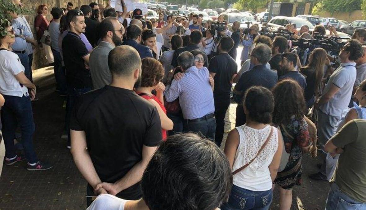 """وقفة احتجاجية أمام """"العسكرية""""... """"دفاعا عن مبادئ الحكم بالعدل"""""""