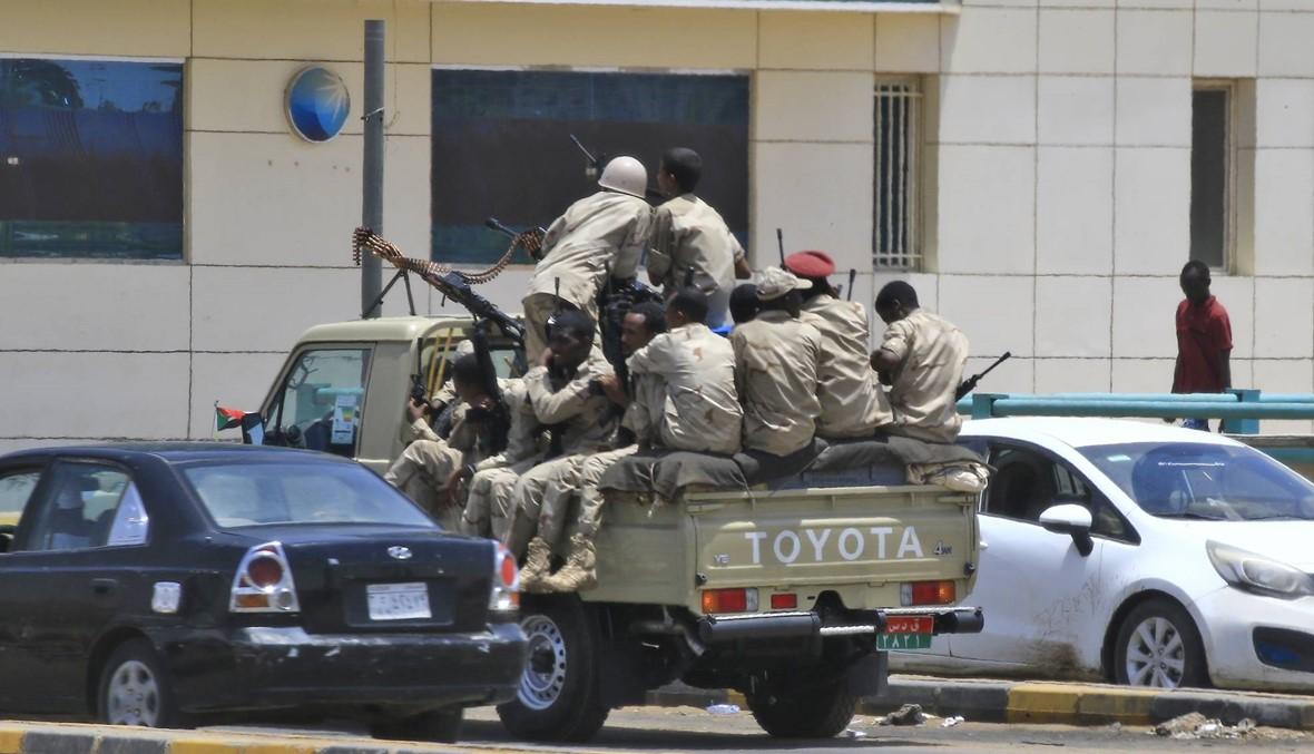 """سودانيّون يعيشون """"رعباً"""": الحكومة تحاول تقليل حجم قمع اعتصام الخرطوم"""