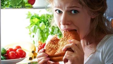 صحة- عندما تتحكم المشاعر بالنظام الغذائي... زيادة وزن أم نقص فيه؟