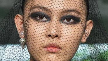 كيف بدا مكياج العارضات خلال أسبوع الموضة في باريس؟