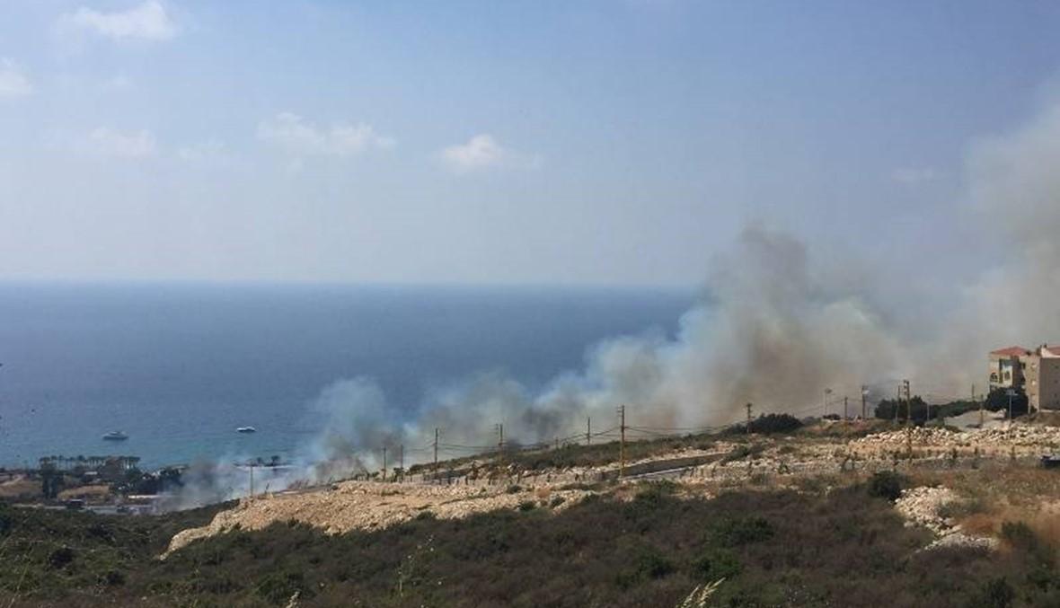 حريق بين كفرعبيدا والبترون: الدفاع المدني يعمل على محاصرة النار
