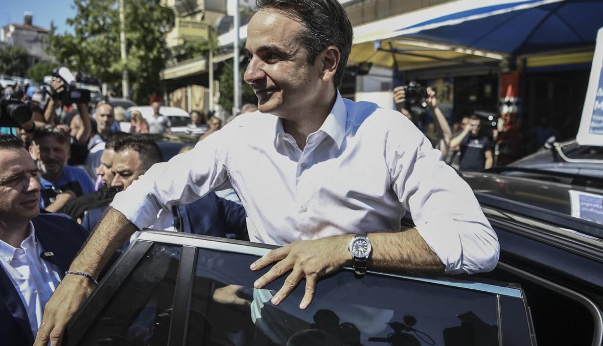 انتخابات تشريعيّة في اليونان: اليمين بزعامة ميتسوتاكيس يتصدّر النتائج