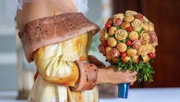 إلى عشّاق البيتزا، عرض خاص بالأعراس: كعكة زفاف وباقة من البيتزا